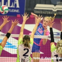 Hanna Orthmann vs Firenze